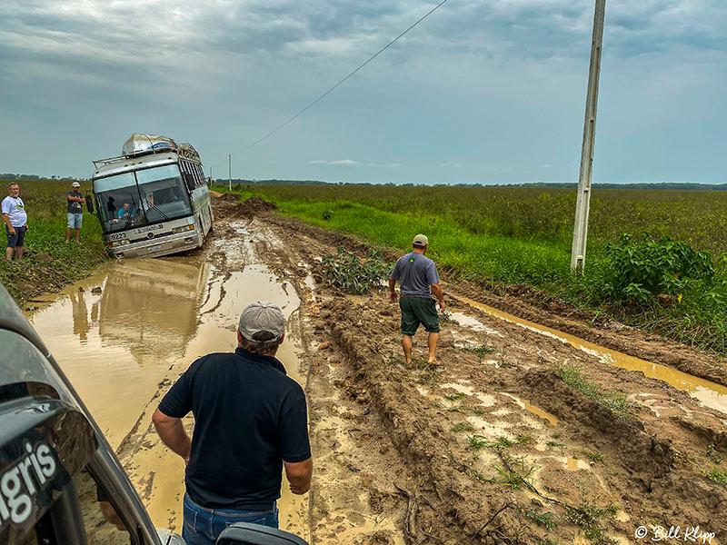 Bus stuck on Transpantaneira Highway, Porto Jofre, Pantanal Brazil Photos by Bill Klipp
