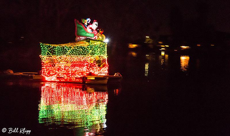 Willow Lake Lighted Boat Parade, Photos by Bill Klipp