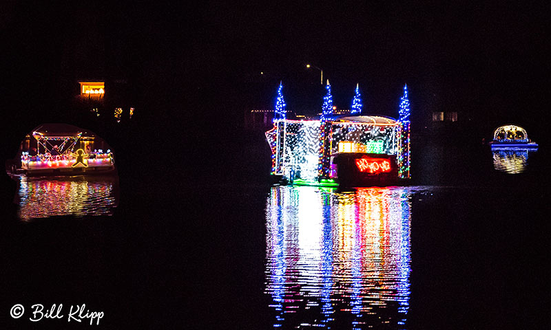 Willow Lake Lighted Boat Parade, Photos by Bill Klipp
